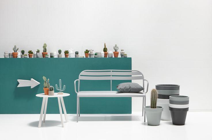 Houd jij van een moderne woonstijl? Dit voorjaar hebben veel van onze (tuin)meubelen een rustige, minimalistische uitstraling. Met behulp van matte pasteltinten maak jij je tuin helemaal van nu! Meer moderne (tuin)inspiratie vind je hier > #tuin #modernwonen #modernewoonstijl #modern #interieur #wooninspiratie #kwantum