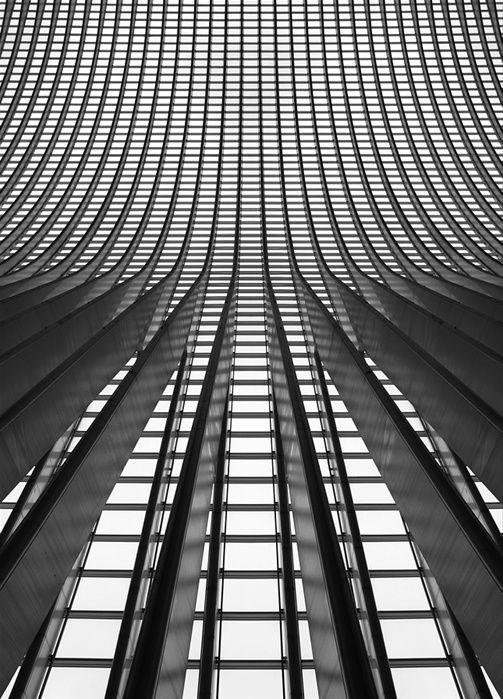 High contrast grid patterns in architecture; hard texture inspiration // Ph. Nina Papiorek