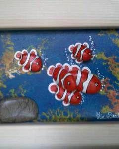 Pesci pagliaccio 3D, piccolo - Quadro con Sassi Dipinti a Mano
