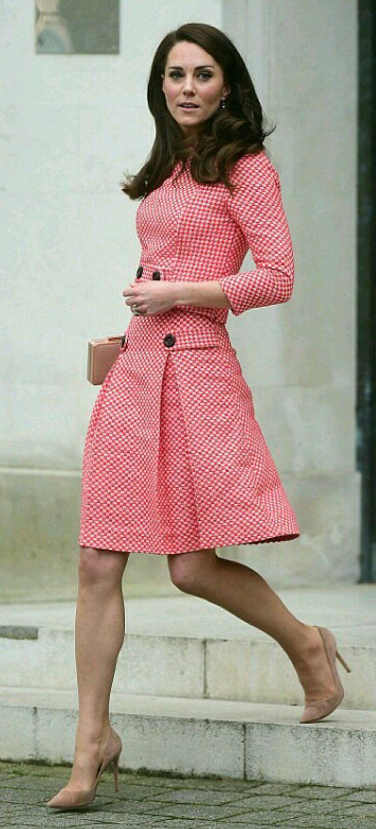 Duchess of Cambridge wearing gingham