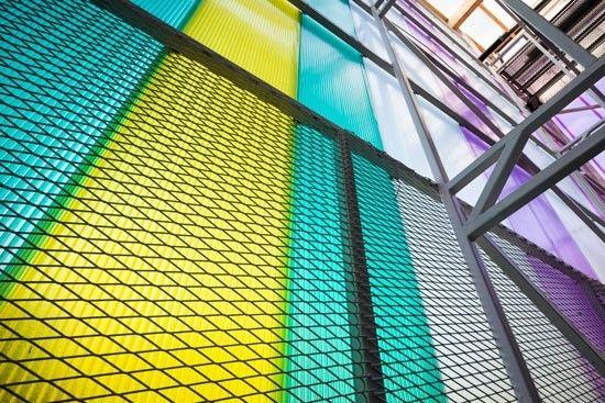 Kulturhuset Cyklopen i Högdalen, Stockholm. Byggnaden uppfördes i workshopform som ett självförvaltat DIYprojekt. Husets arkitektur utformades av Victor Marx.