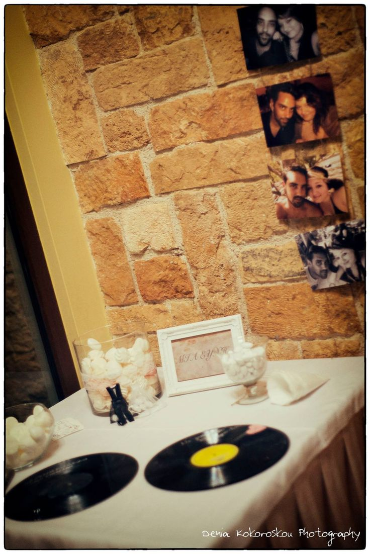 διακόσμηση γάμου με θέμα τη vintage μουσική www.domeafavorevents.gr