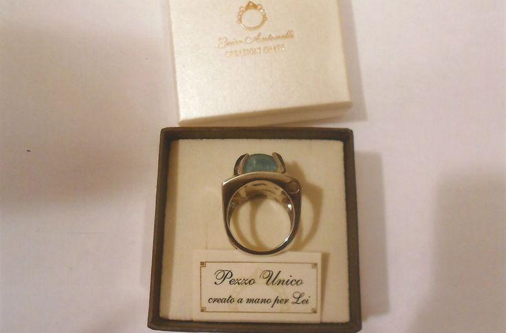 Anello in oro bianco 18kt con acquamarina cabochon. White gold 18kt ring with cabochon aquamarine.    #jewelry #jewellery #anello #ring #diamond #pearl #handmade #handmadejewelry #gioielli #gioielliartigianali #fattoamano #gold #diamondpave #sapphire #sapphires #oro #orobianco #whitegold #珠宝 #钻石 #豪华 #redgold #ororosso #yellowgold #orogiallo