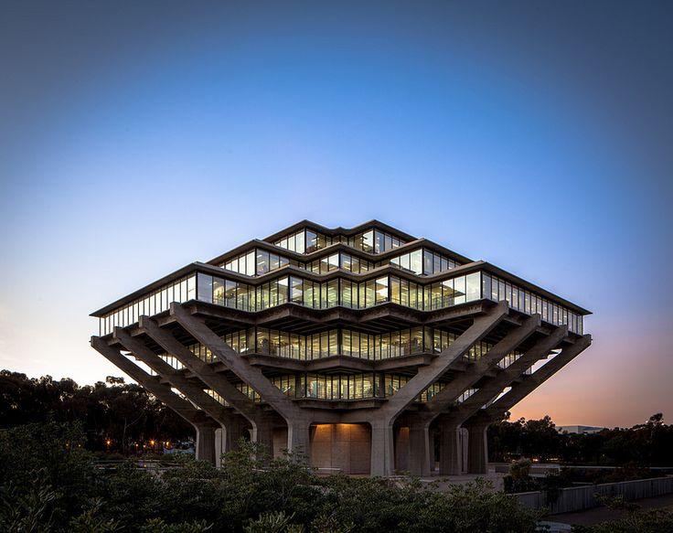 Geisel Library, University of California, San Diego (William Pereira)