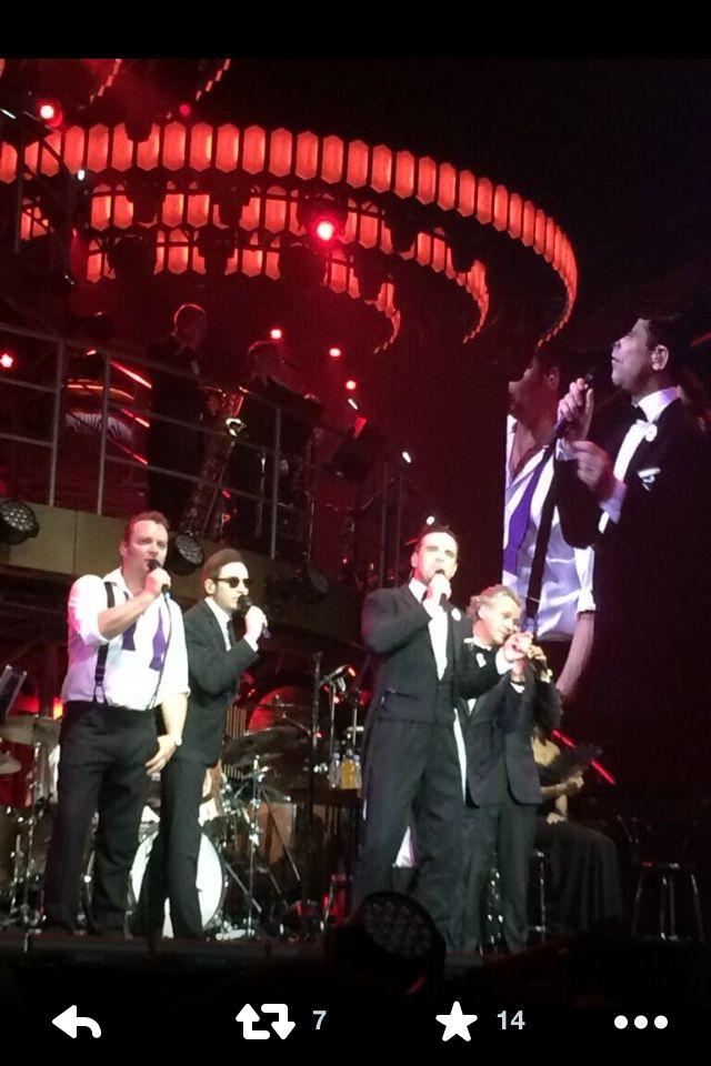 RKelly ignition quartet style. Robbie Live. Amazing