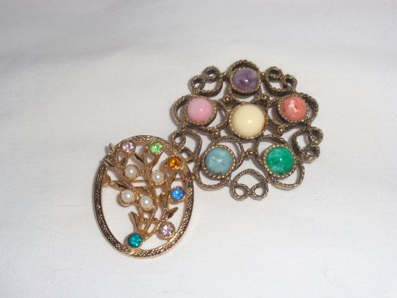 Vintage Signed Sarah Coventry Pins Brooches by MemmoryAlley, $25.00