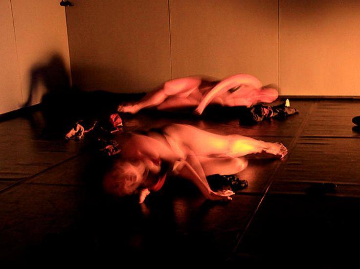 Espetáculo de dança 'Intimidade Dócil' se baseia em obra de Michel Foucault