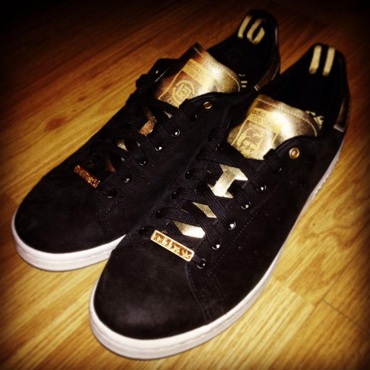 Adidas Stan Smith x Clot with Adidas gold lace locks