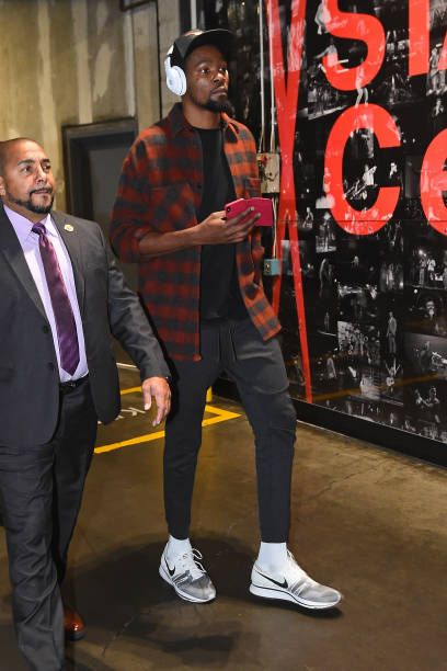 1fac6a1e8b70 Kevin Durant of the Golden State Warriors arrives at the arena before the  game against the LA Clippers on January 6 2018 at STAPLES Center in Los.