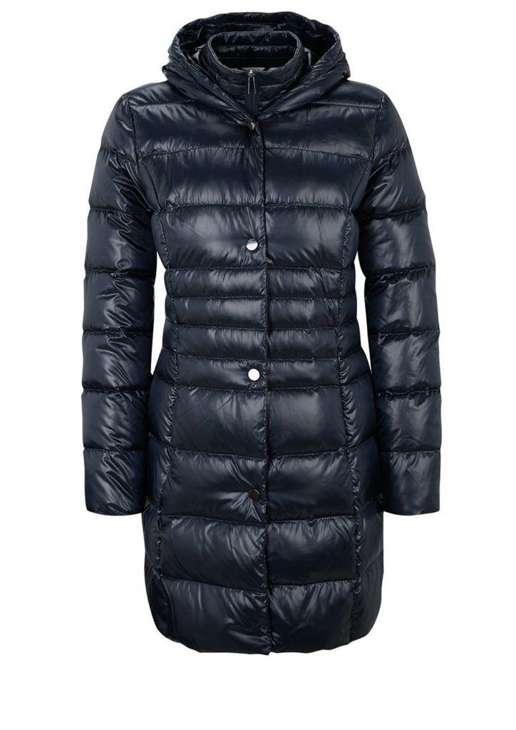 #s.Oliver #BLACK #LABEL #Damen #s.Oliver #BLACK #LABEL #Glänzender #Daunen-Mantel #blau Daunen-Mantel Extra leichter Mantel in glänzender Stepp-Optik. Mit Kapuze und durchgehender Druckknopfleiste. Zusätzliche Blende innen mit Reißverschluss. Zwei versteckte Reißverschlusstaschen außen. Locker antaillierte Passform  Rückenlänge bei Größe 36 ca. 87 cm. Glatte Textil-Qualität mit hochwertiger Füllung aus Daunen und Federn. Der federleichte Mantel überzeugt mit hohem Tragekomfort und einer…