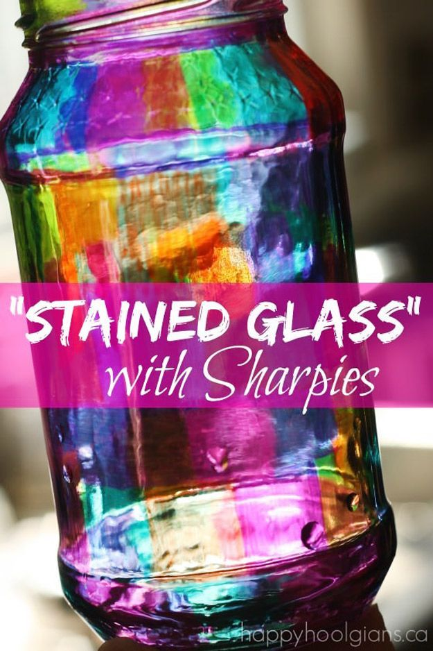 Cute DIY Mason Jar Ideas - Stained Glass with Sharpies - Fun Crafts, Creative Room Decor, Homemade Gifts, Creative Home Decor Projects and DIY Mason Jar Lights - Cool Crafts for Teens and Tween Girls http://diyprojectsforteens.stfi.re/cute-diy-mason-jar-crafts