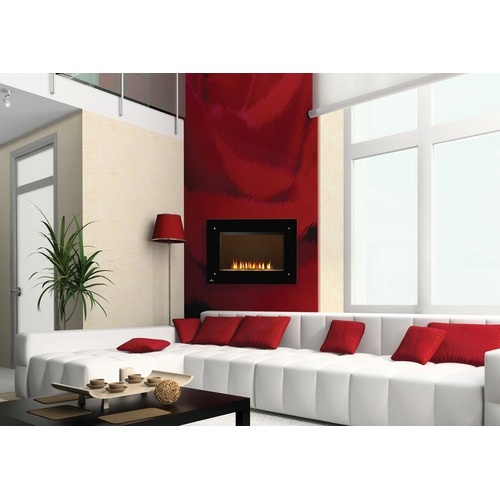 Absolutely Beautiful Red & White Living room w/ Fireplace