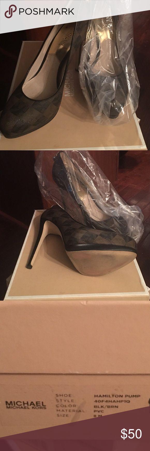 Michael by Michael Kors Hamilton Pump Michael by Michael Kors signature pump- Hamilton worn twice excellent condition MICHAEL Michael Kors Shoes Heels