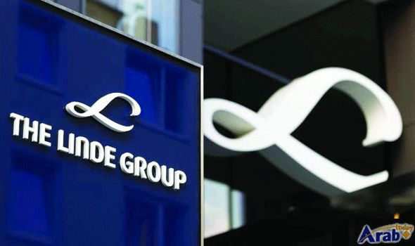 Gas suppliers Praxair and Linde hold merger…