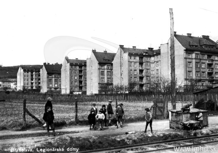 Pred 105 rokmi vznikla trať kDynamitke a50 rokov nás električky vozia až doRače.
