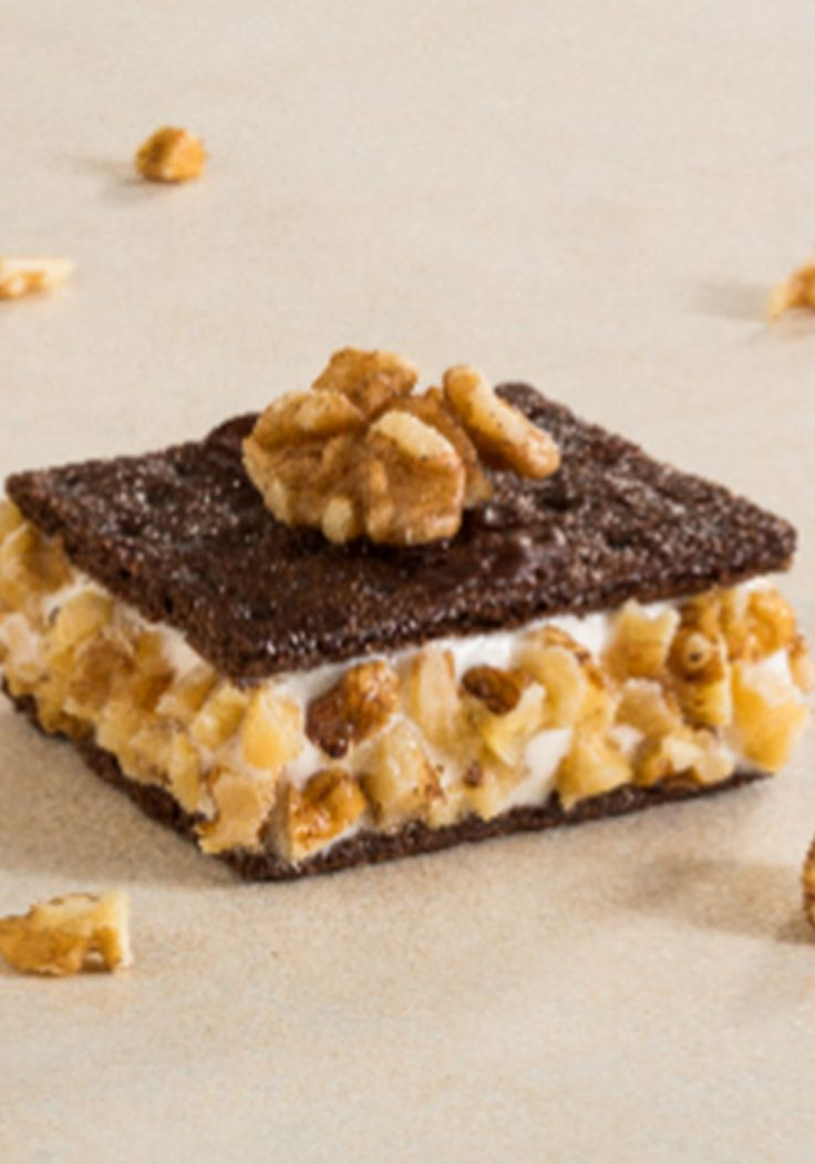 What this lightened-up frozen treat from chef Devin Alexander lacks in warm, gooey marshmallow it makes up for with creamy, Greek frozen yogurt and a crunchy coating of chopped walnuts. The yogurt is a smooth counterpoint to the crisp grahams.