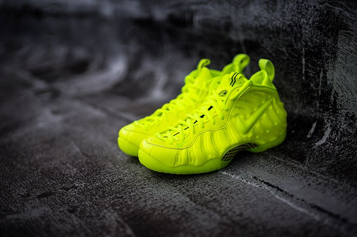 """Picture of Nike Air Foamposite Pro """"Volt"""""""