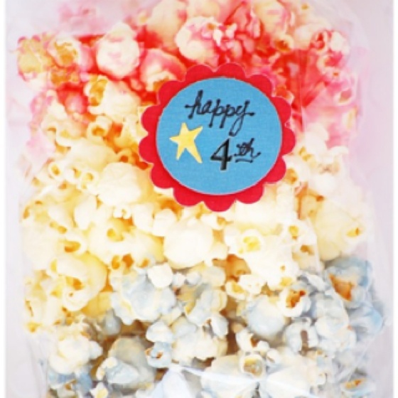 So cute for the fourth! Just use food coloring to dye the popcorn.: Food Colors, Food Coloring