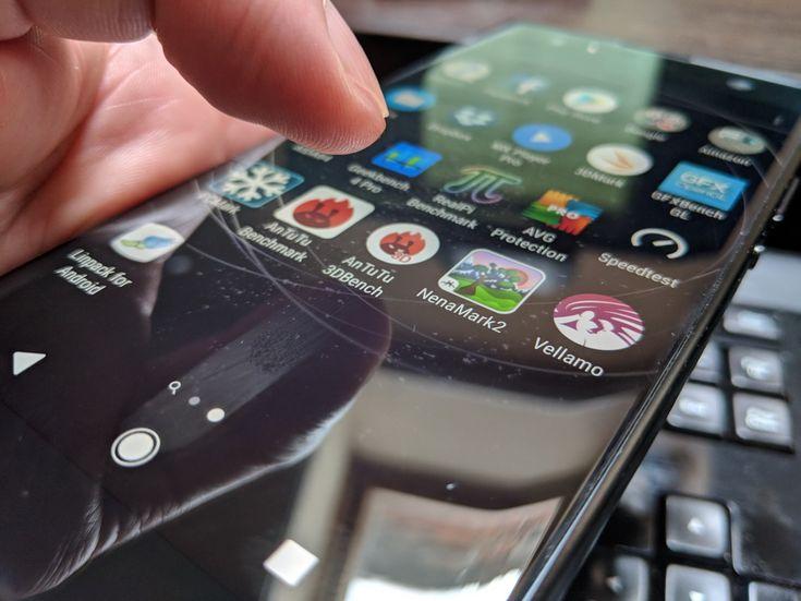Sony Xperia XA2 Ultra: Benchmark-uri acceptabile, modeste, dar performanţa e OK