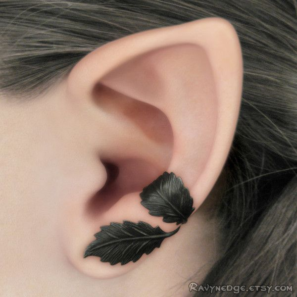 Dark Forest Left Ear Cuff Black Leaves Filigree (51 PEN) ❤ liked on Polyvore featuring jewelry, earrings, filigree jewelry, leaves jewelry, leaf earrings, leaves earrings and ear cuff jewelry