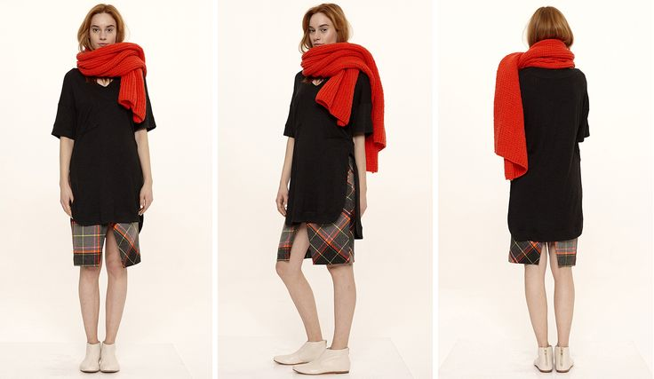 Dori Tomcsanyi hand-knitted coral scarf - with oversized t-shirt and plaid skirt.  Available from September at the webshop. http://doritomcsanyi.com/