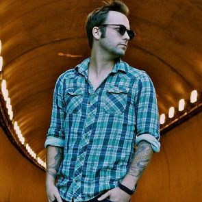 Dallas Smith To Release New EP, 'Tippin' Point', March 4