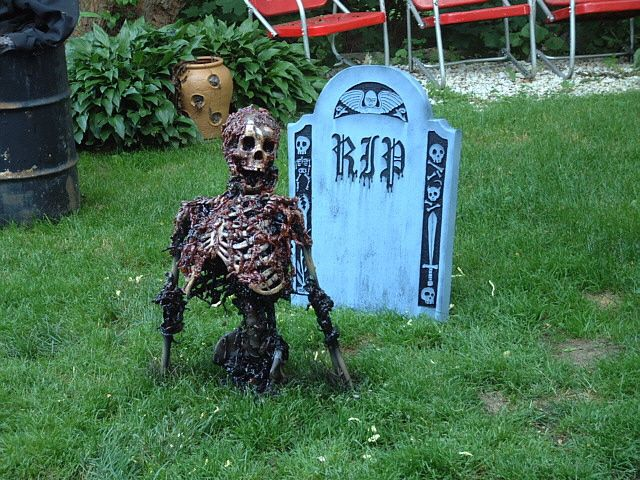 wow diy scary skeleton cant wait to have a yard again - Diy Scary Halloween Decorations For Yard