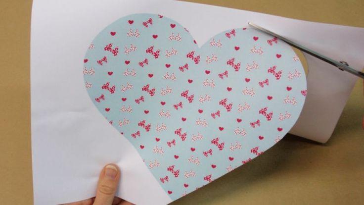 Hacer un sobre con un corazón para San Valentín - Paso 1
