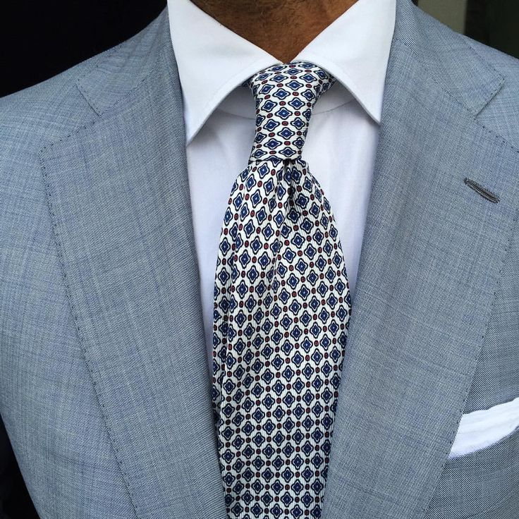 @danielmeul wearing a Viola Milano selftipped printed silk tie & handrolled White Linen pocket square… www.violamilano.com