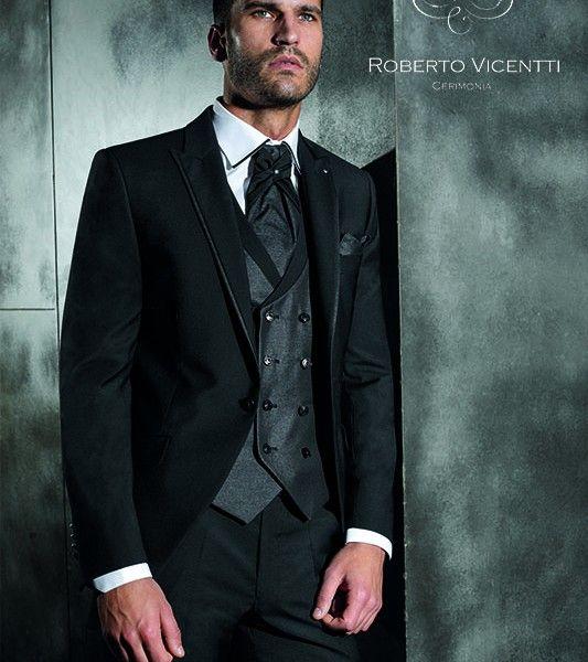 En Solo Novios podrás encontrar y encargar trajes de novios a medida y personalizados, diseños exclusivos y una amplia variedad de complementos http://www.solonovios.com/trajes-de-novio.html #traje #medida