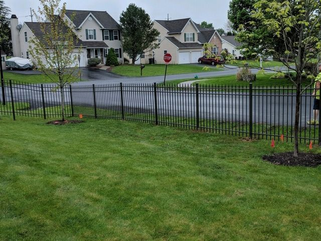 Beautiful Bronze Aluminum Fence Installed By Steve His Crew From Triborofence Aluminum Fence Aluminum Fence Fence Styles Fence