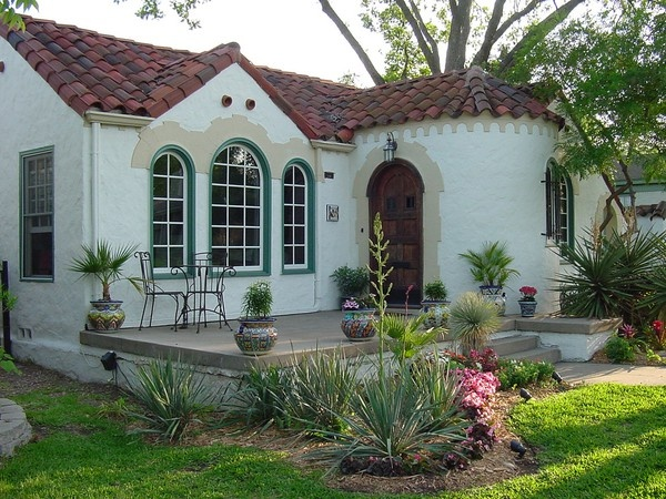Spanish Colonial Revival Bungalow Garden Room
