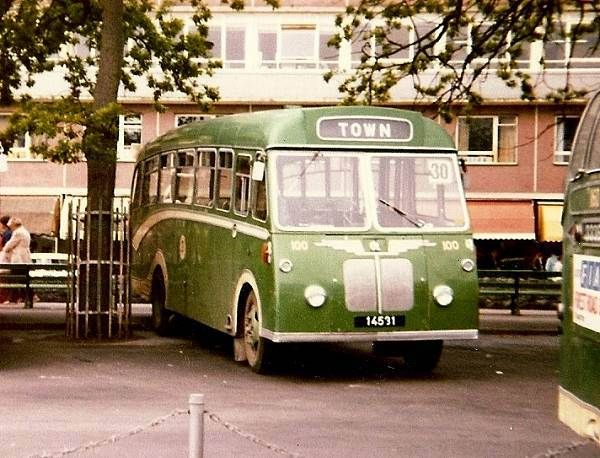 Bedford J4 with Reading bodywork