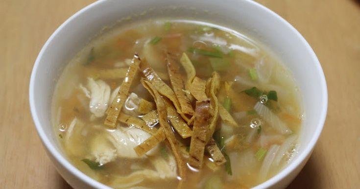 メキシコのライムスープです。 あっさりとしているけど、腹持ちもよく、日本人好みの味だと思います。