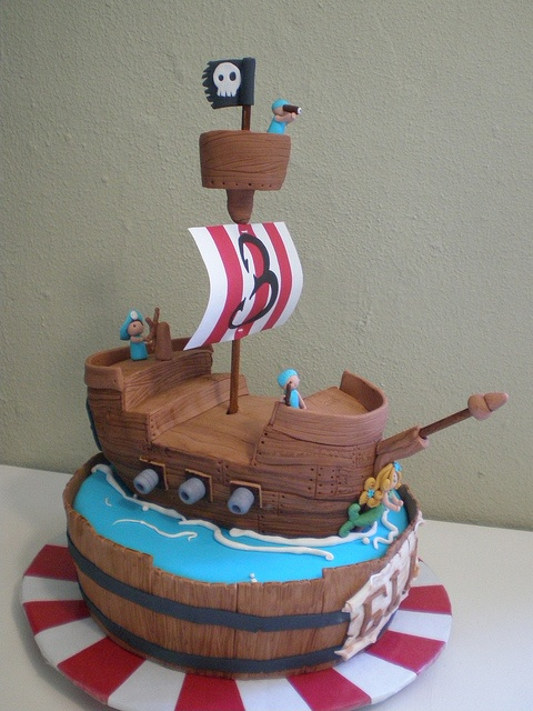 Cake Designs Pirate Ship : 108 best images about Cakes - Pirate/Pirates of Caribbean ...