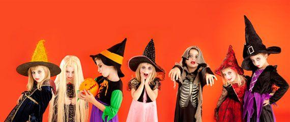 #Halloween: un divertimento mostruoso Dalle decorazioni #fai-da-te alle istruzioni per intagliare la zucca, una perfetta festa di Halloween per stupire i tuoi bimbi