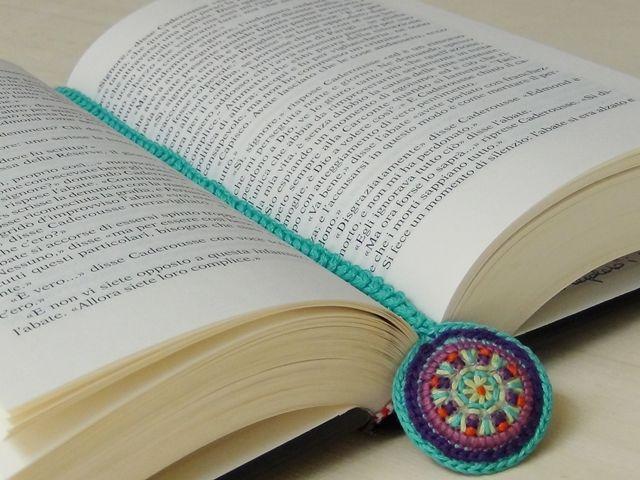 Riciclo Creativo - Craft and Fun: Portachiavi fai da te con il Riciclo Creativo - translate into english #diy #bookmark