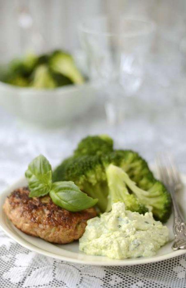 En härlig måltid med avokado, broccoli och purjolök. Innehåller 310 kcal.