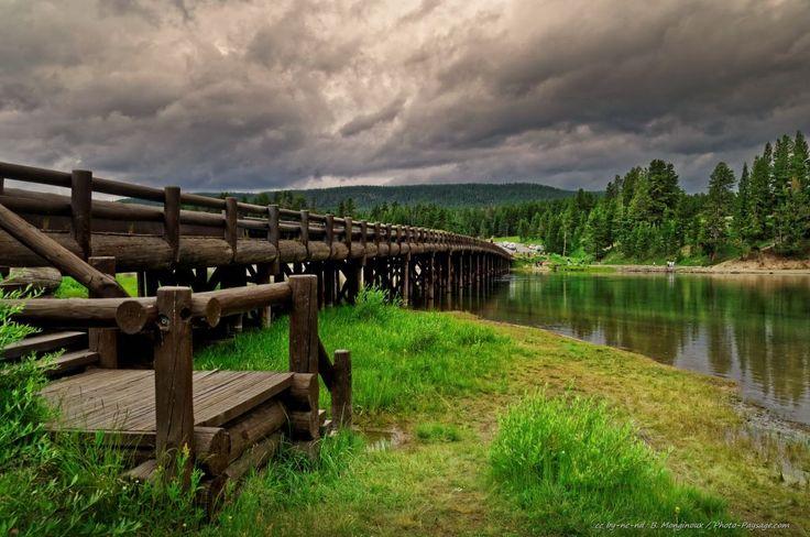 Le Fishing Bridge et la rivière Yellowstone - Parc national de Yellowstone, Wyoming, USA