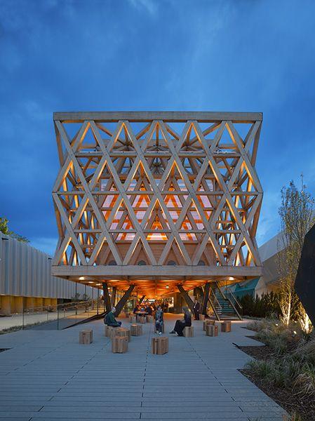Chilenska paviljongen av Cristián Undurraga. Foto Roland Halbe.