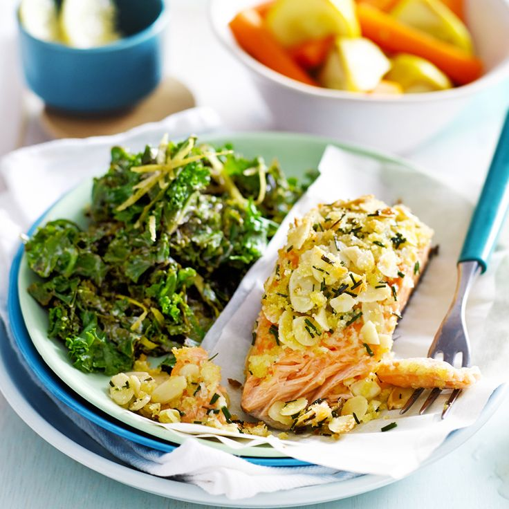Almond-crusted salmon with lemon kale | Recipes | Weight Watchers NZ