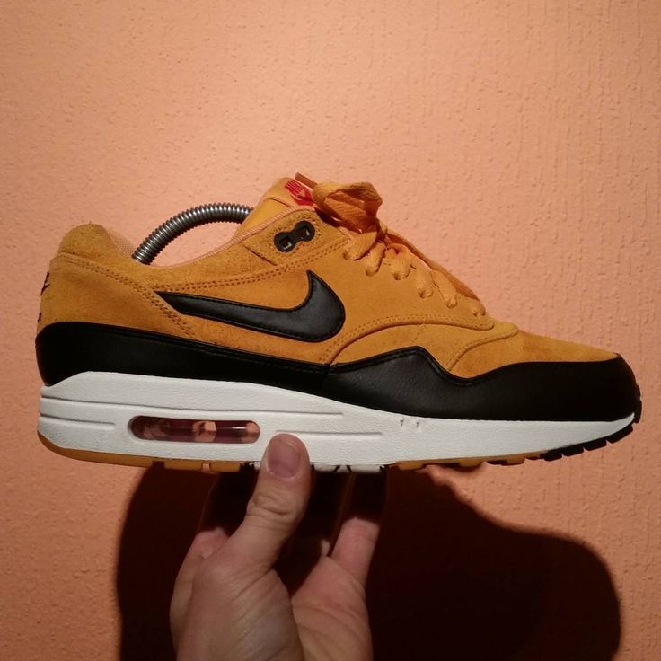 purchase cheap d537c de4b7 liberty gold air max