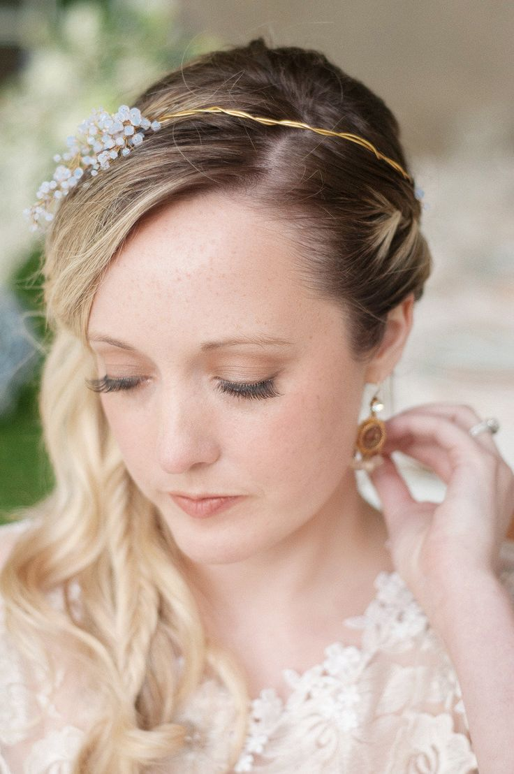 Elegant wedding hairstyles for short hair - 141 Best Wedding Hair Tiara Images On Pinterest Hairstyle Marriage And Chignons