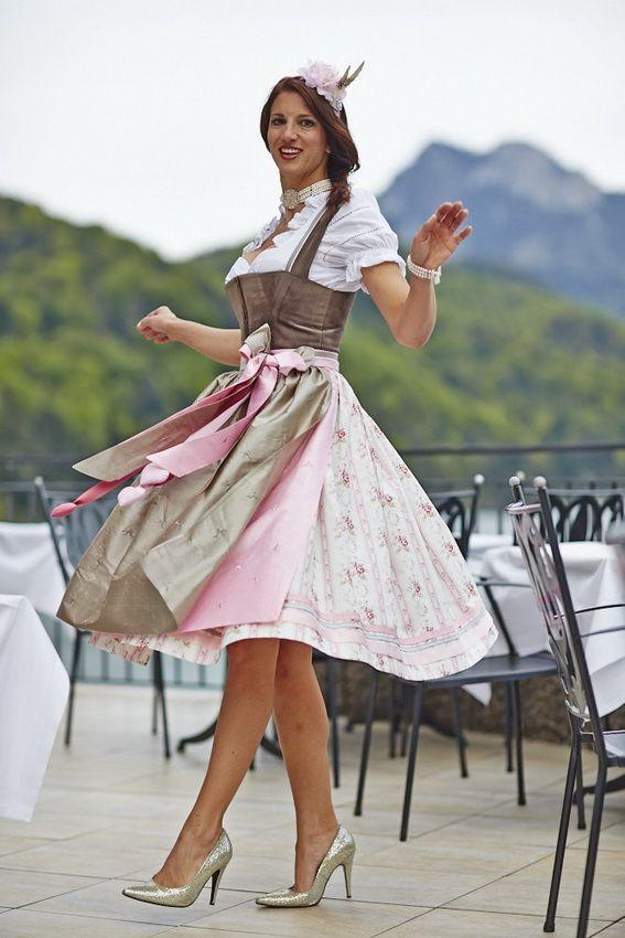 #Farbbberatung #Stilberatung #Farbenreich mit www.farben-reich.com SCHATZI DIRNDL