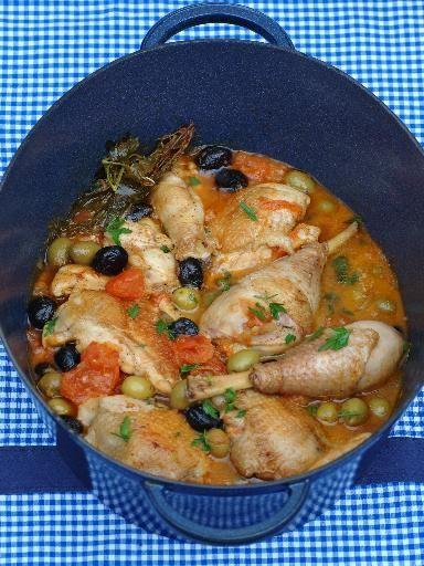 Recette Poulet aux champignons et olives, notre recette Poulet aux champignons et olives - aufeminin.com