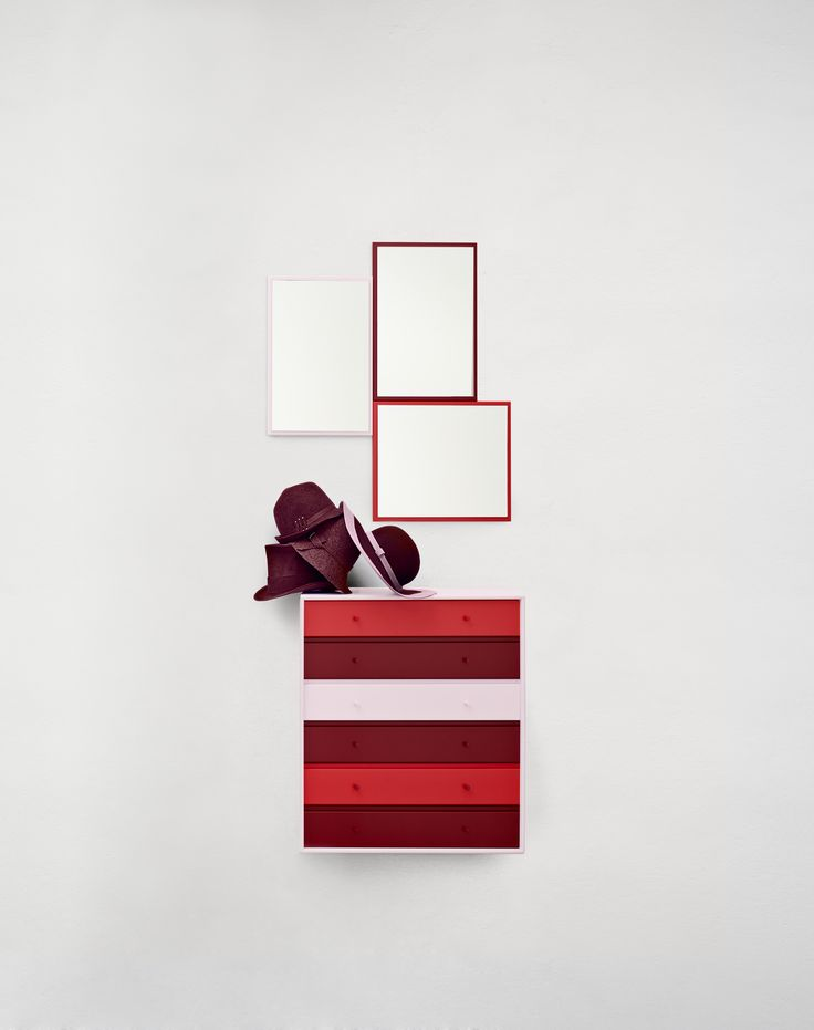 Montana for the entrance in pale, dark and bright reds. #montana #furniture #danish #design #red #table #interior #inspiration