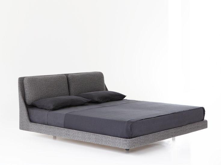 Double bed MAKURA By Porro design Piero Lissoni