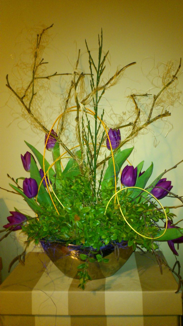 Flower decoration from fresh tulips :)