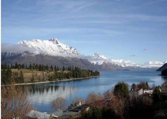 THE ROCK Bach Central Queenstown in Queenstown, Queenstown-Lakes | Bookabach