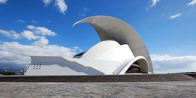Teneriffa Kongress- und Messezentren  Auditorio Tenerife - Kongresszentrum  Puerto de la Cruz - Centro Internacional de Ferias y Congresos - Magma Arte y Congresos - Kongresszentrum  Pirámide de Arona